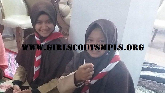 Dua Putri Pramuka Indonesia Mendapatkan Hadiah Umrah